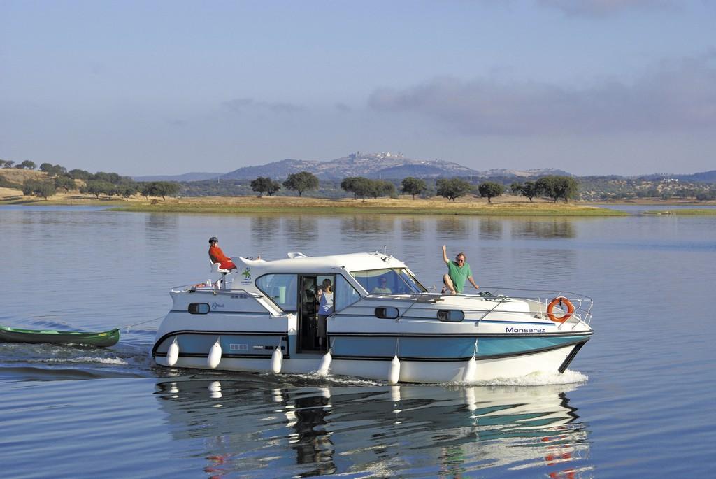 Tourisme fluvial avec bateaux sans permis