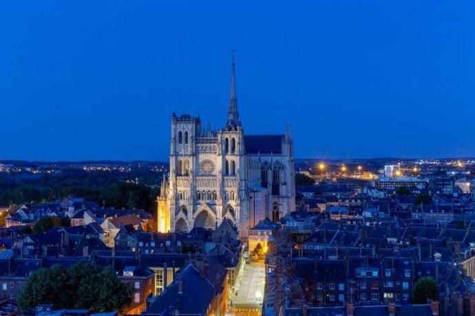 Amiens - la plus grande cathédrale gothique du monde fête ses 800 ans